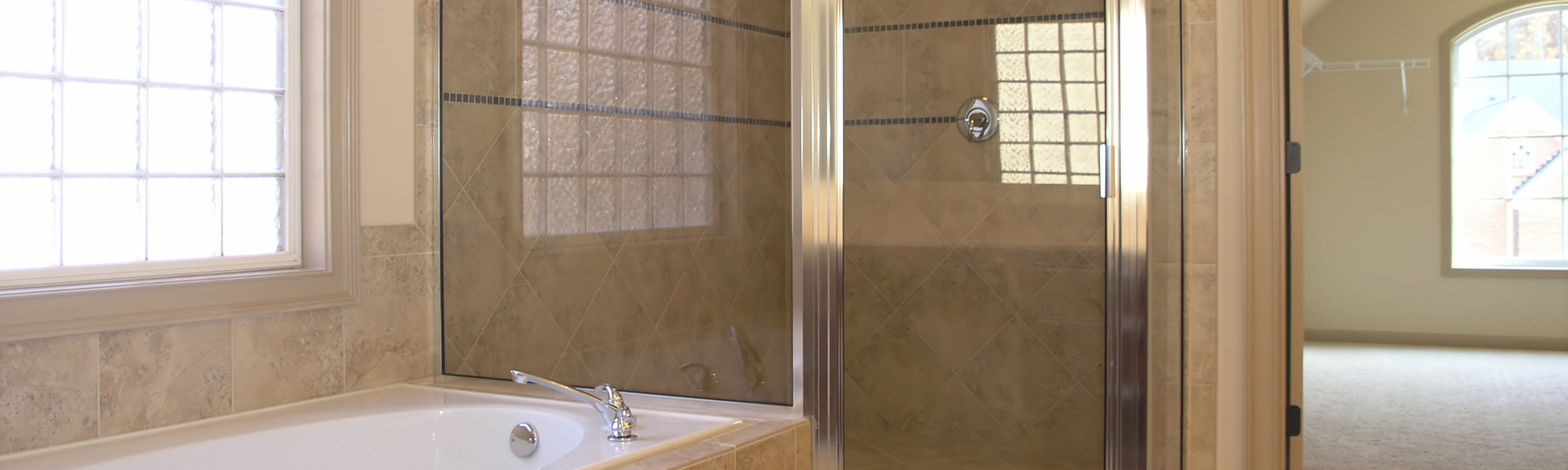 NeoAngle Shower Enclosures | ARC Glass Houston, TX